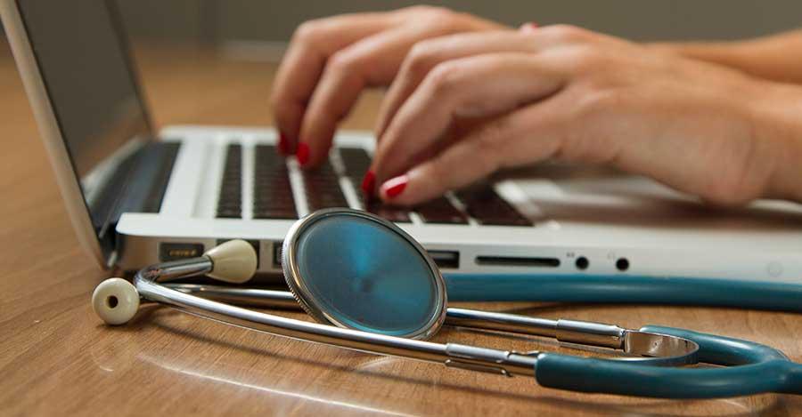La analítica de datos y la inteligencia artificial ayudan en los diagnóstico de los médicos.