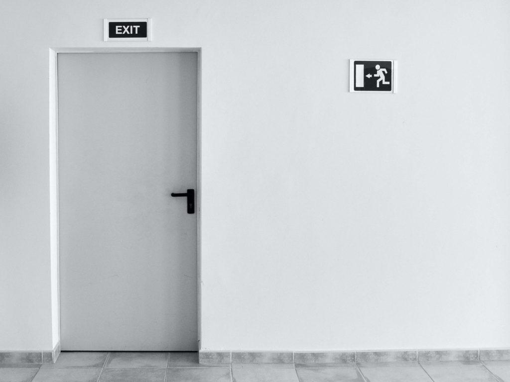 Análisis del comportamiento y predicción del abandono de clientes